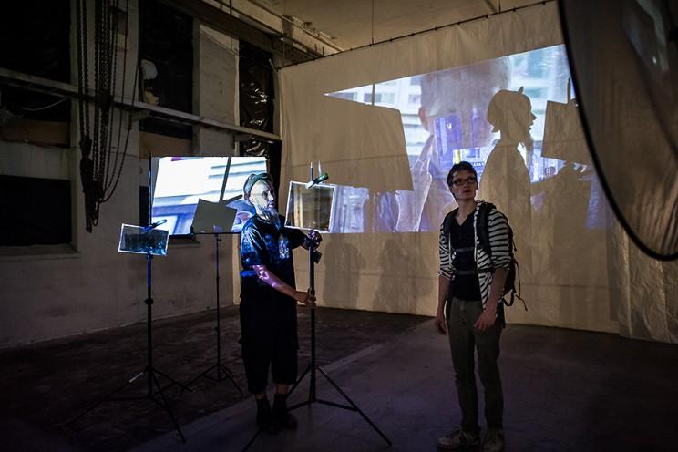 Arto demonstrating how to create your installation, photo: Nina Huisman, Art Leak.